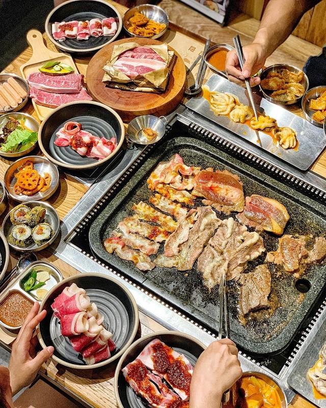 Cuối tuần, rủ bạn thân quét sạch 4 nhà hàng buffet nướng ở TP.HCM - Ảnh 6.
