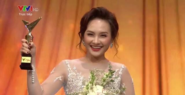 Bố Sơn và con rể Vũ đào hoa: Ai xứng đáng hơn ở VTV Awards 2019? - Ảnh 4.