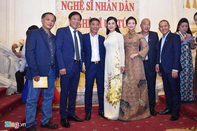 Nghệ sĩ 90 tuổi Trần Hạnh xúc động nhận danh hiệu NSND - Ảnh 8.