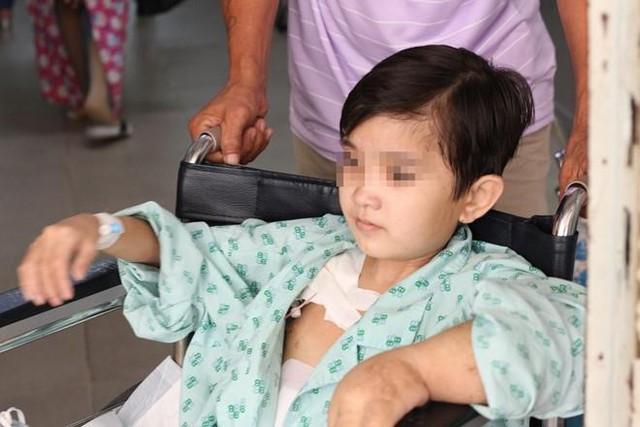 Nguyên nhân khiến cô gái 19 tuổi bị ứ 40 lít nước trong bụng - Ảnh 2.