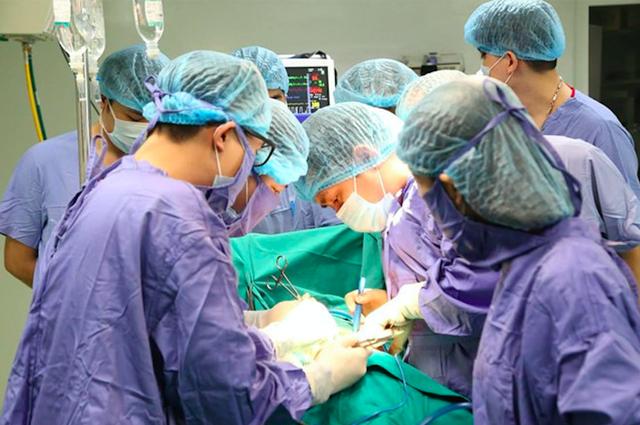"""Bất ngờ việc ghép tạng thành """"chuyện nhỏ"""" ở nhiều bệnh viện tỉnh - Ảnh 1."""