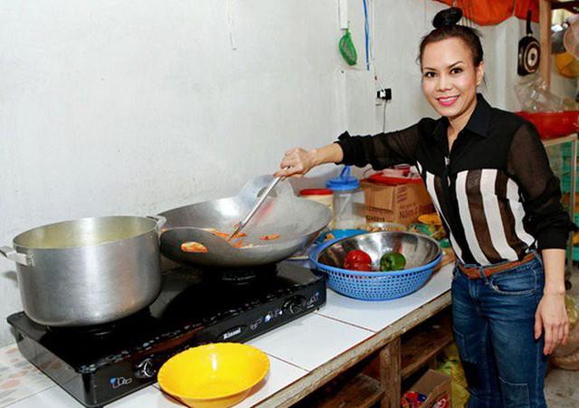 Vừa về Mỹ với chồng con, Việt Hương khoe mâm cơm liền nhận ngay những thắc mắc - Ảnh 11.