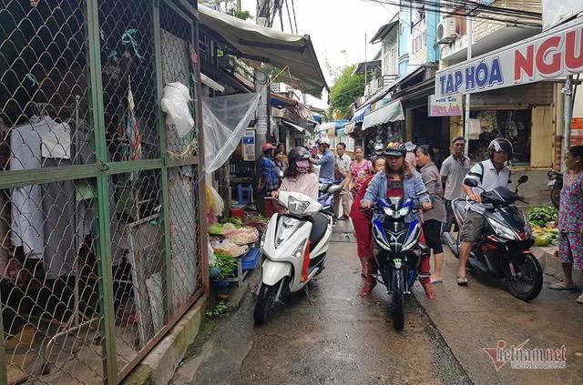 Nữ trưởng công an phường ở Cần Thơ xô xát với người đi chợ - Ảnh 4.