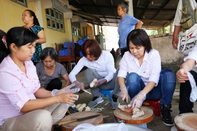 Vừa về Mỹ với chồng con, Việt Hương khoe mâm cơm liền nhận ngay những thắc mắc - Ảnh 7.