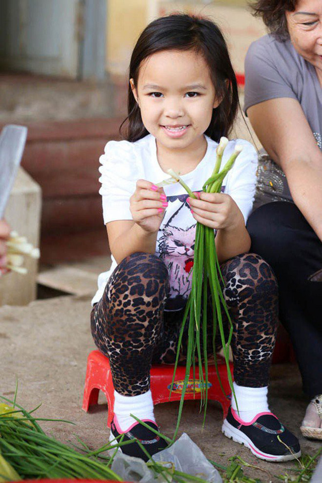 Vừa về Mỹ với chồng con, Việt Hương khoe mâm cơm liền nhận ngay những thắc mắc - Ảnh 9.