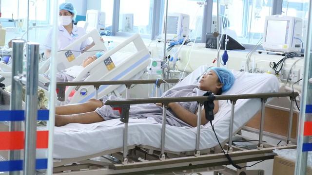 Công bố điểm chết trong sự cố chạy thận ở Nghệ An khiến 3 người sốc nặng, 132 người chuyển viện - Ảnh 2.