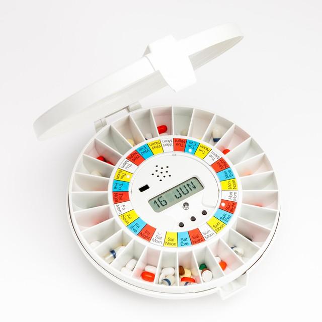 Chỉ cần hộp nhỏ này trong nhà, trẻ con không sợ uống nhầm thuốc, người già không uống thuốc cả vỏ - Ảnh 3.