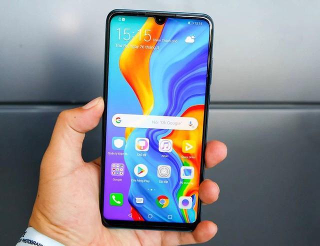 8 smartphone sạc nhanh giá dưới 7 triệu đồng - Ảnh 7.