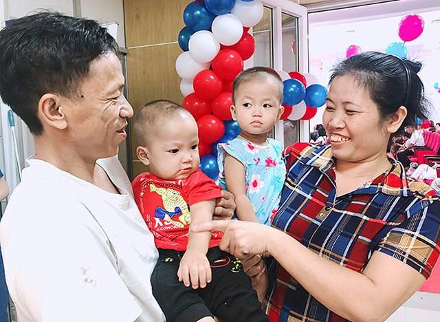 Sinh đôi trai gái sau 12 năm điều trị vô sinh  - Ảnh 1.