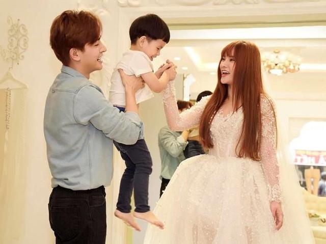 Con bị chồng mới cấu véo trên sóng livestream, Thu Thủy nói: Tôi sẽ bảo vệ con trai nếu chồng đánh đập bé tàn bạo - Ảnh 2.