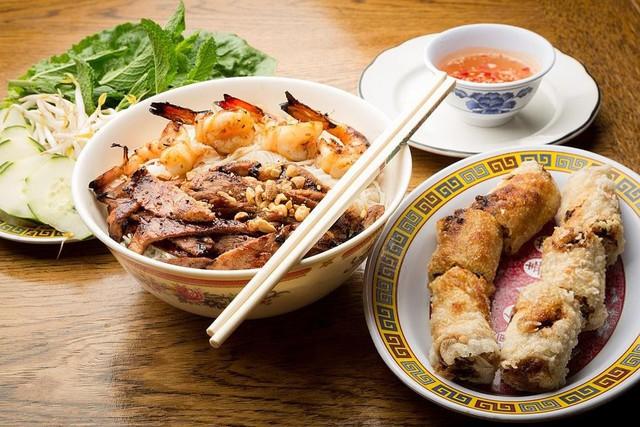 7 yếu tố khiến ẩm thực Việt Nam khác biệt do báo Tây bật mí - Ảnh 1.