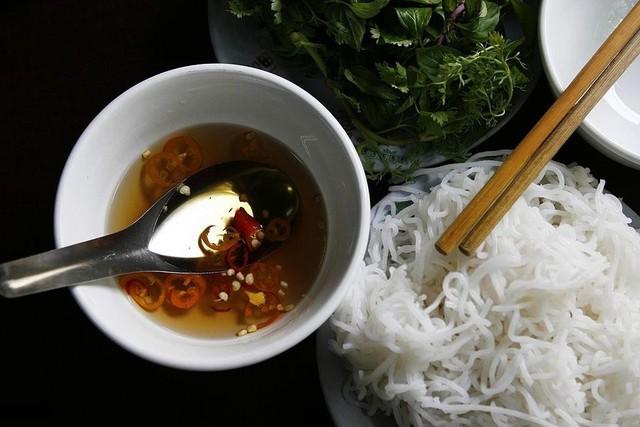 7 yếu tố khiến ẩm thực Việt Nam khác biệt do báo Tây bật mí - Ảnh 6.