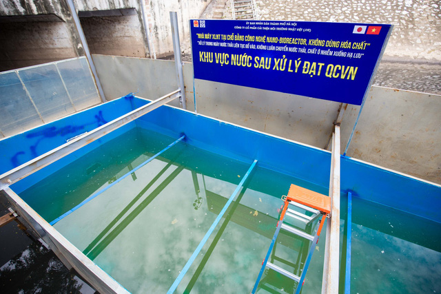 Chuyên gia Nhật Bản rửa mặt, tắm gội giữa sông Tô Lịch - Ảnh 5.