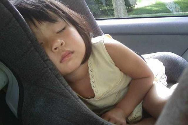 Ngay cả cha mẹ có trách nhiệm nhất vẫn có thể quên con trong xe nếu mắc hội chứng này  - Ảnh 2.