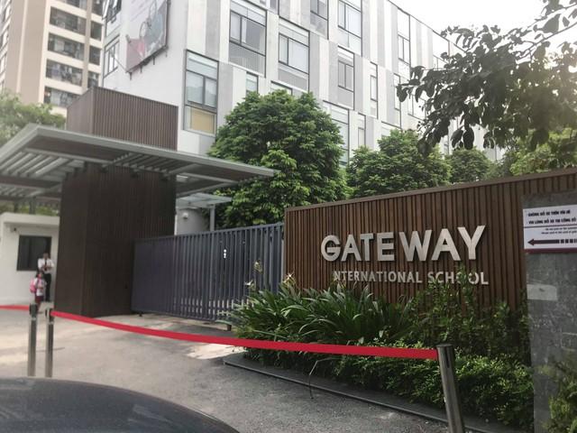 Vụ bé lớp 1 tử vong: Nhiều xe đưa đón học sinh trường Gateway hoạt động không phép - Ảnh 3.