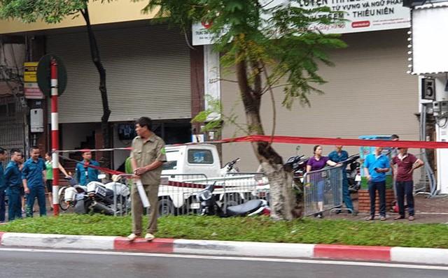 Kinh hoàng cây đổ gây chết người ở Hà Nội nhưng đây lại không phải là lần đầu tiên - Ảnh 2.