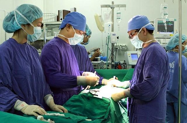 Bị biến chứng từ kẻ giết người số 1, bệnh nhân xin về chờ chết, bác sĩ giành giật sự sống thần kỳ - Ảnh 1.