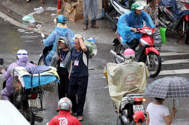 Hà Nội: Chùm ảnh đường Cầu Bươu tắc kinh hoàng từ sáng sớm đến trưa - Ảnh 11.