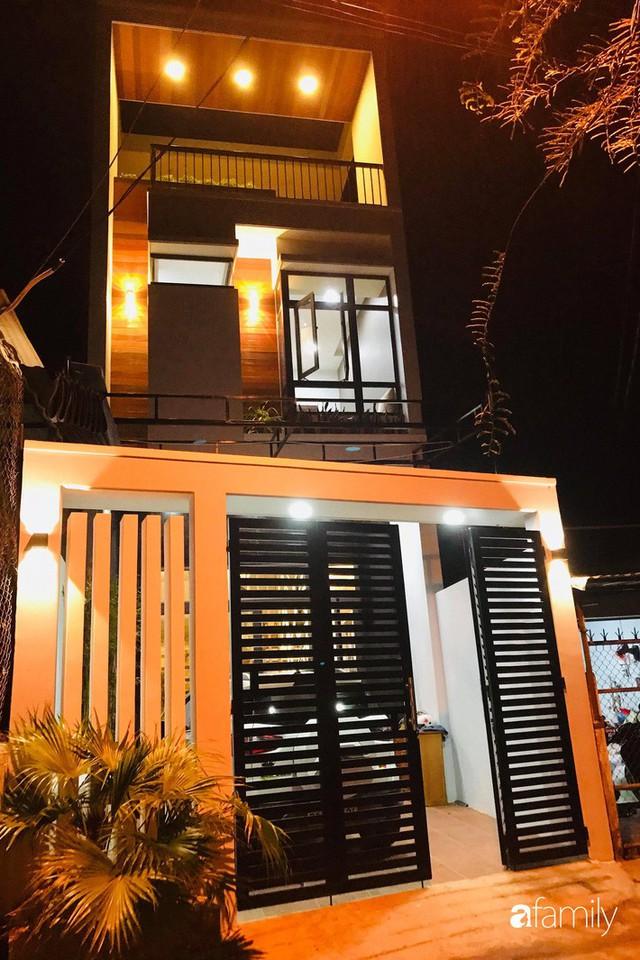 Ngôi nhà phố đong đầy hạnh phúc được thiết kế theo lối kiến trúc hiện đại của cô giáo ở Quảng Ngãi - Ảnh 2.