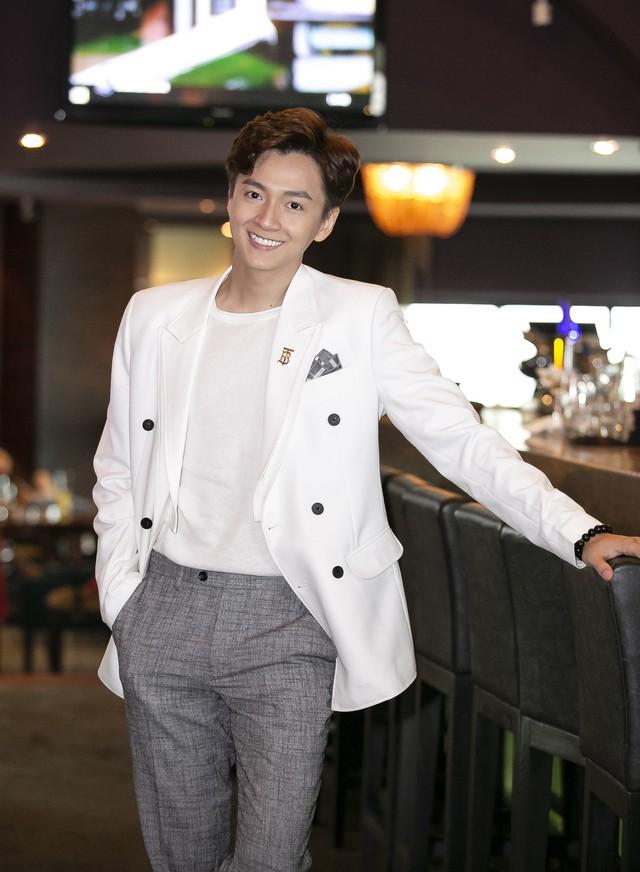 Ngô Kiến Huy lần đầu nói về mối quan hệ với tình cũ Khổng Tú Quỳnh sau khi kết thúc chuyện tình 8 năm - Ảnh 2.
