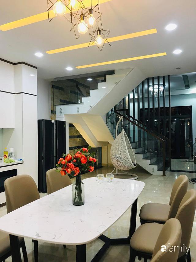Ngôi nhà phố đong đầy hạnh phúc được thiết kế theo lối kiến trúc hiện đại của cô giáo ở Quảng Ngãi - Ảnh 4.
