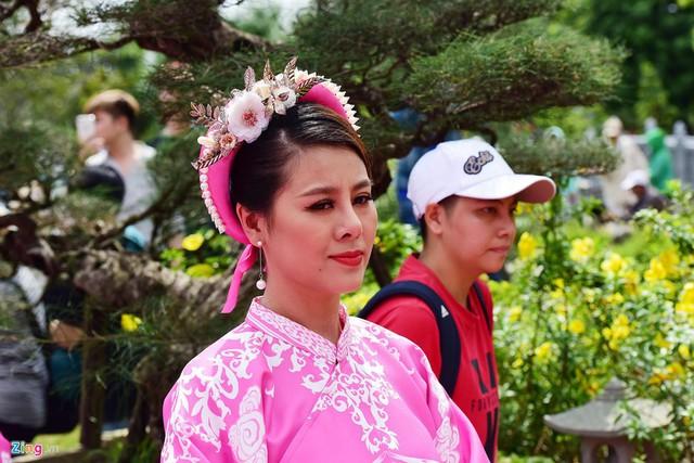 Nghệ sĩ Hoài Linh làm lễ rước kiệu trong ngày giỗ Tổ nghề - Ảnh 6.