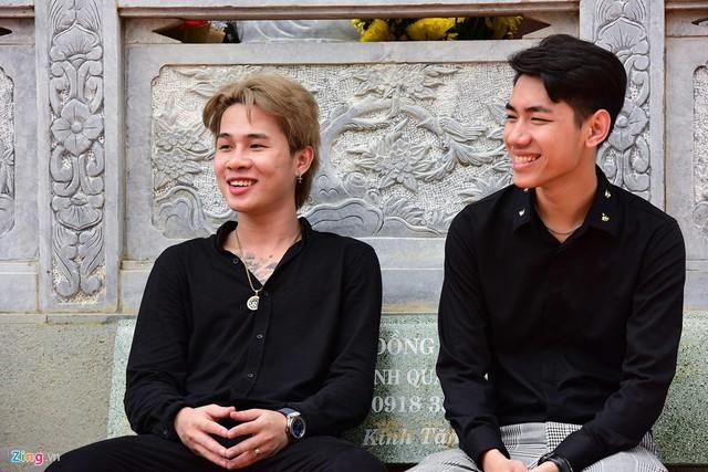 Nghệ sĩ Hoài Linh làm lễ rước kiệu trong ngày giỗ Tổ nghề - Ảnh 8.