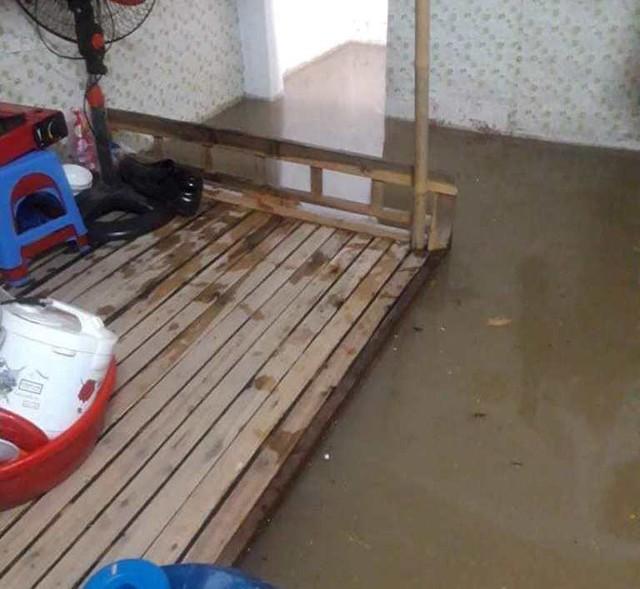 Cộng đồng mạng xót xa chia sẻ hình ảnh TP Thái Nguyên ngập nặng sau trận mưa lớn - Ảnh 2.