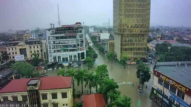 Cộng đồng mạng xót xa chia sẻ hình ảnh TP Thái Nguyên ngập nặng sau trận mưa lớn - Ảnh 7.