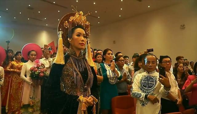 NSƯT Trịnh Kim Chi tiết lộ các quan niệm kỳ lạ trong nghi lễ cúng Tổ nghề sân khấu - Ảnh 1.