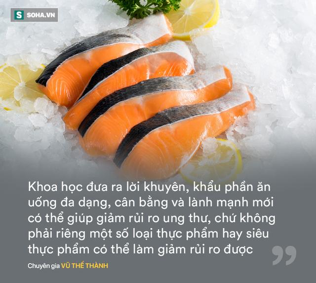 Chuyên gia Vũ Thế Thành: Cải xoăn giàu canxi hơn sữa là... bốc phét, nhiều loại cá có omega-3 chứ riêng gì cá hồi - Ảnh 1.