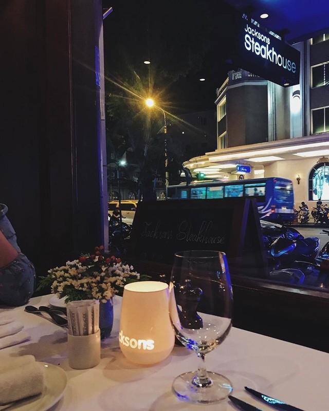 5 nhà hàng steak đắt xắt ra miếng nổi tiếng ở Hà Nội - Ảnh 17.