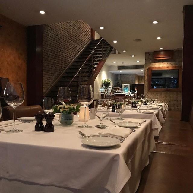 5 nhà hàng steak đắt xắt ra miếng nổi tiếng ở Hà Nội - Ảnh 19.