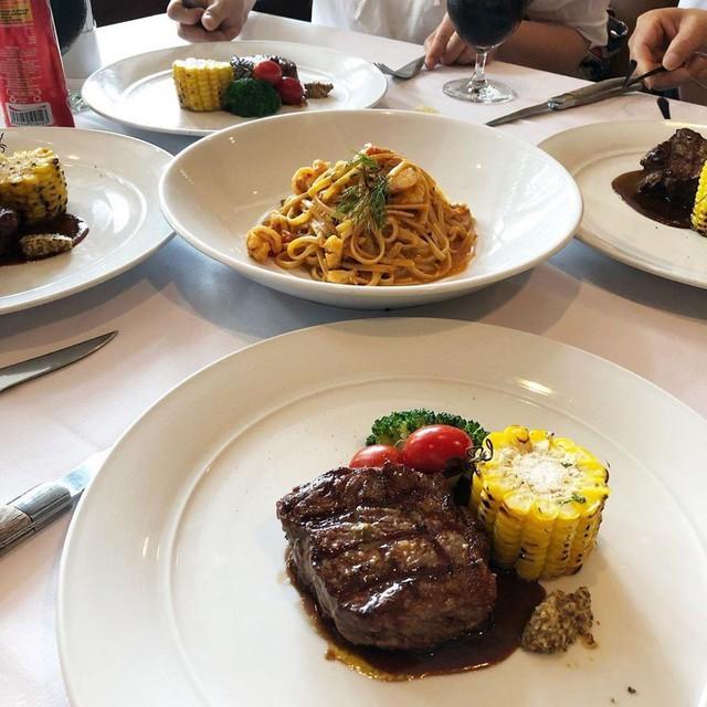 5 nhà hàng steak đắt xắt ra miếng nổi tiếng ở Hà Nội - Ảnh 20.