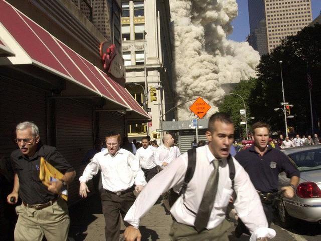 Lợi dụng vụ khủng bố 11/9, người đàn bà đánh lừa cả nước Mỹ trong suốt nhiều năm nhờ câu chuyện sống sót thần kỳ được thêu dệt bởi những lời nói dối - Ảnh 3.