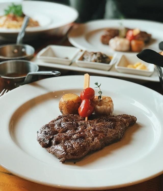5 nhà hàng steak đắt xắt ra miếng nổi tiếng ở Hà Nội - Ảnh 23.