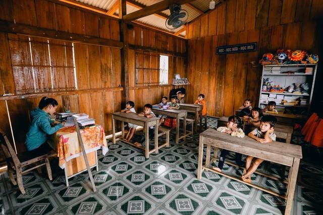 Lớp học của 2 cô giáo và 34 học sinh giữa đỉnh trời - Ảnh 11.