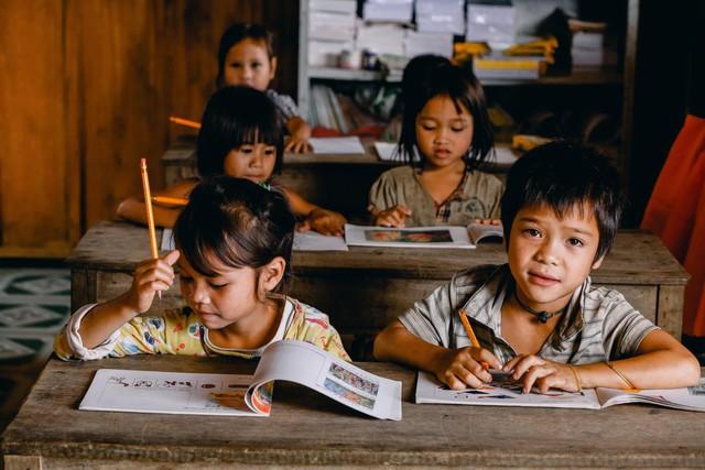 Lớp học của 2 cô giáo và 34 học sinh giữa đỉnh trời - Ảnh 13.