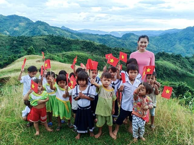 Lớp học của 2 cô giáo và 34 học sinh giữa đỉnh trời - Ảnh 10.