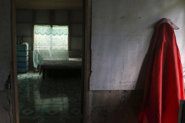 Linh mục xâm hại tình dục lễ sinh - bí mật mở ở ngôi làng Philippines - Ảnh 2.