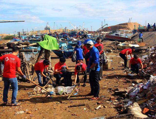 Quảng Bình: 1000 người xung phong tham gia chiến dịch Hãy làm sạch biển - Ảnh 3.