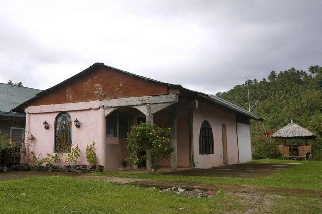 Linh mục xâm hại tình dục lễ sinh - bí mật mở ở ngôi làng Philippines - Ảnh 3.