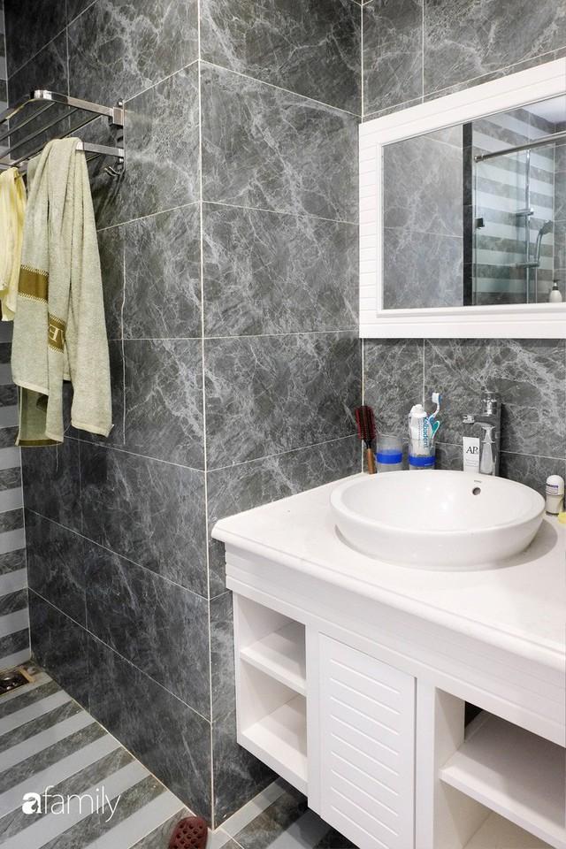 Từ hiện trạng trống trơn, căn hộ 81m² mặc chiếc áo tân cổ điển đẹp sang trọng với chi phí thi công 175 triệu ở Long Biên - Ảnh 22.
