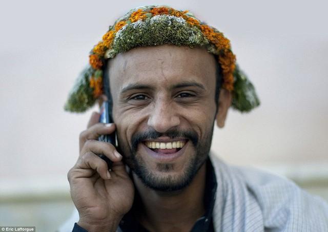 Vùng đất các chị em lo tất, đàn ông chỉ việc đội vương miện hoa cười tươi rồi làm việc nhẹ là được - Ảnh 10.