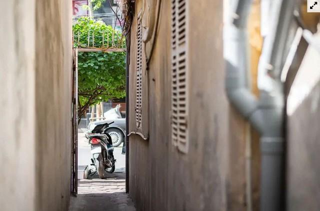 Nhà cổ hoang tàn ở Hà Nội đẹp như khách sạn sau sửa  - Ảnh 2.