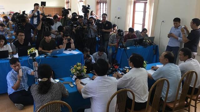 Xử vụ gian lận điểm thi ở Sơn La: Thí sinh được nâng điểm cũng bị triệu tập đến tòa - Ảnh 3.