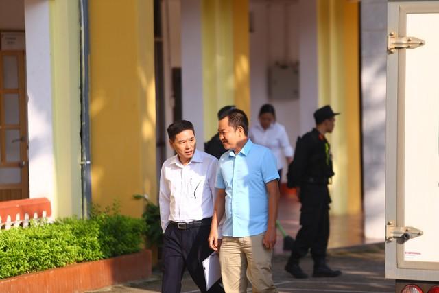 Hoãn xét xử vụ gian lận thi cử ở Sơn La: Sẽ áp giải nếu người triệu tập không đến  - Ảnh 1.