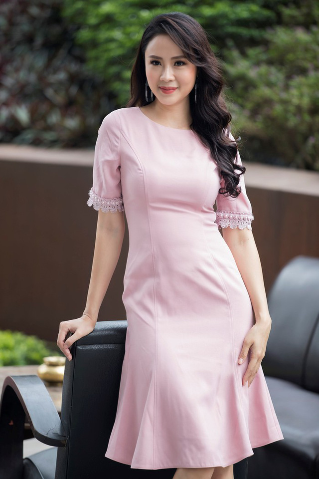 Nhan sắc rực rỡ của Hồng Diễm - nữ chính đang gây sốt với vai Khuê trong Hoa hồng trên ngực trái - Ảnh 8.