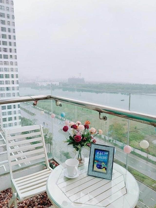 Hoa hậu Ngọc Hân khoe căn hộ ven biển tự thiết kế, nhìn góc ban công khiến dân tình phải xuýt xoa - Ảnh 14.