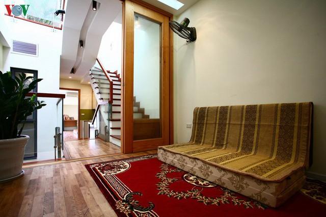 Ngôi nhà hướng tây nằm trong ngõ hẹp ở Hà Nội có thiết kế đẹp bắt mắt ngay từ lối vào - Ảnh 12.
